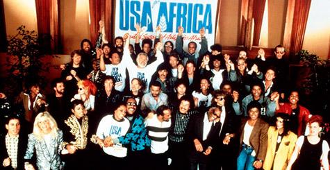 Fotografia dos cantores que fizeram parte da gravação de We Are the World - 1985