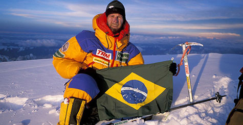 Fotografia de Waldemar Niclevicz 1º Brasileiro escalar Monte Everest - 1995